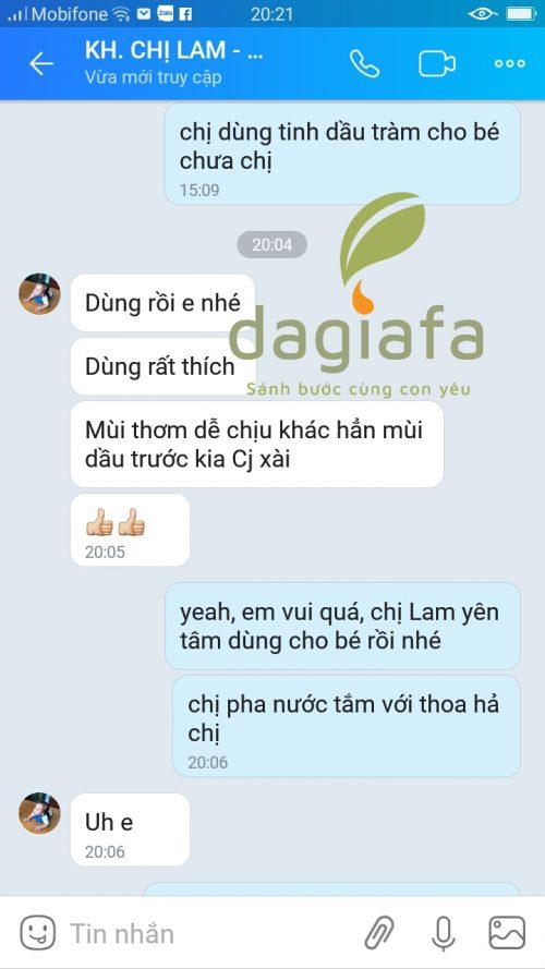 Chị Lam mua dầu tràm dùng cho bé